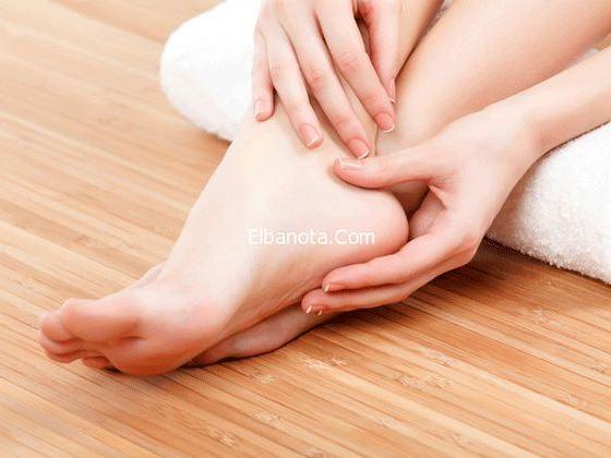 5 أفضل علاجات طبيعية لتورم الكاحلين والساقين والقدمين