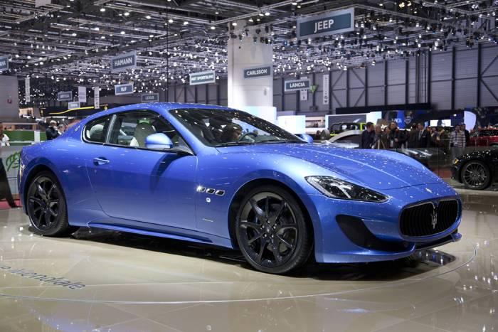 سيارات فخمة في معرض جنيف للسيارات 2012