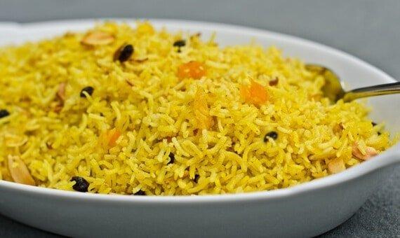 طريقة عمل الرز بزيت الزيتون والقرفة