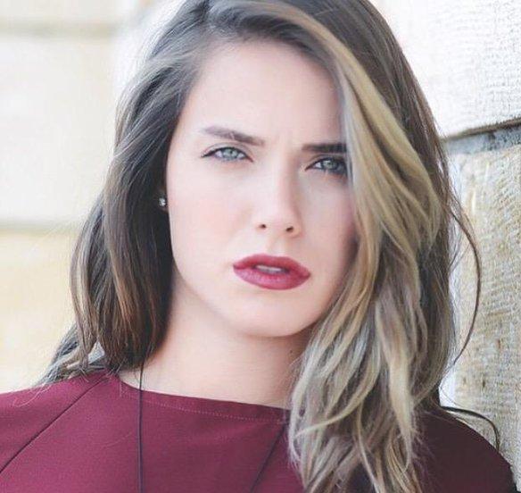 أجمل صور الممثلة التركية جيداء أتيش