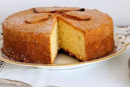 طريقة عمل الكيكة الاسفنجية الهشة البسيطة والمظبوطة
