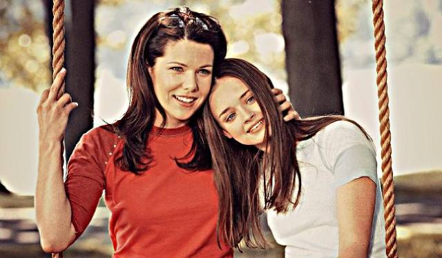 10 نصائح لأم البنات في سن المراهقة