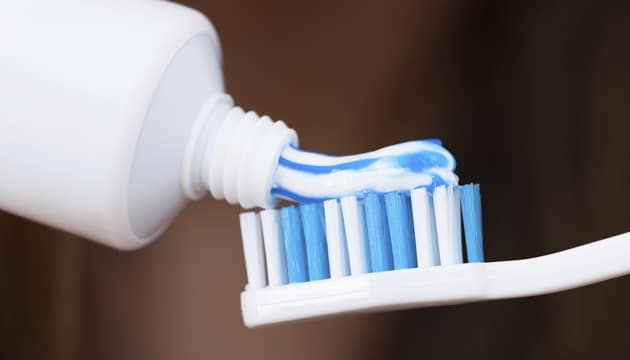 9 استخدامات لمعجون الأسنان تحفة ولا تخطر على بالك