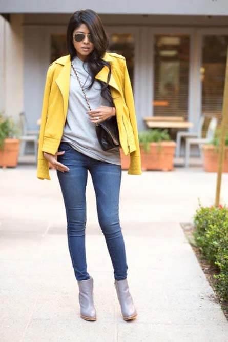 موضة الالوان المناسب مع اللون المستردة في الملابس