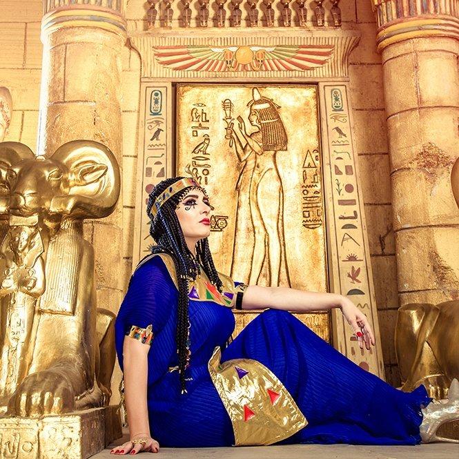 بالصور: ميرنا وليد تتألق بإطلالة فرعونية ساحرة