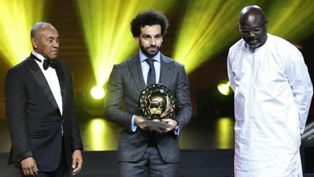 محمد صلاح يفوز بجائزة أفضل لاعب أفريقي 2018 للعام التالي - وهذا ما قاله صلاح عند إستلامه الجائزة