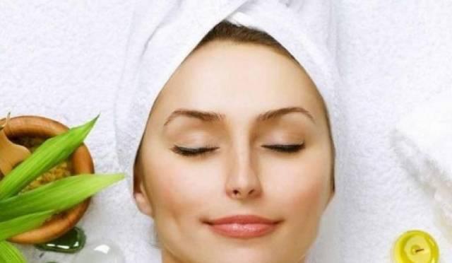 نصائح للعناية بجمالك قبل النوم في 5 دقائق فقط
