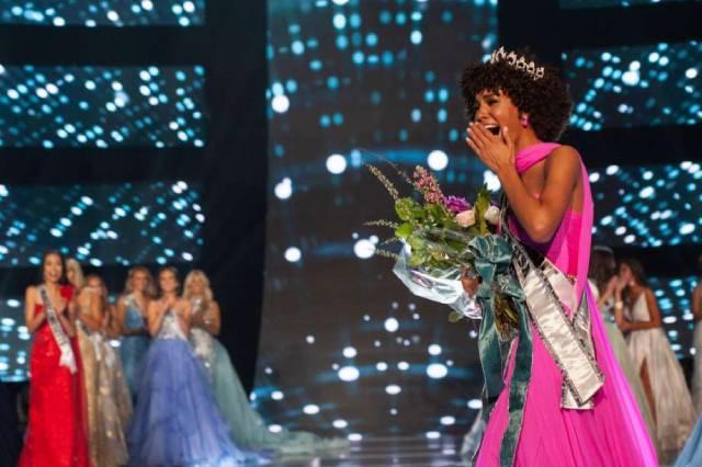 ملكة جمال المراهقات 2019 سمراء وإلغاء فقرة البكيني
