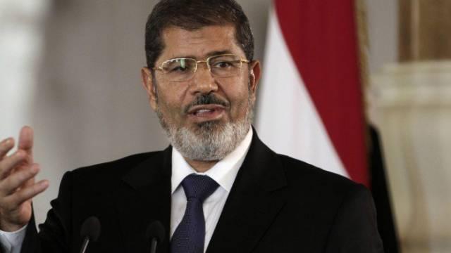 وفاة محمد مرسي العياط أثناء جلسة محاكمته في قضية التخابر